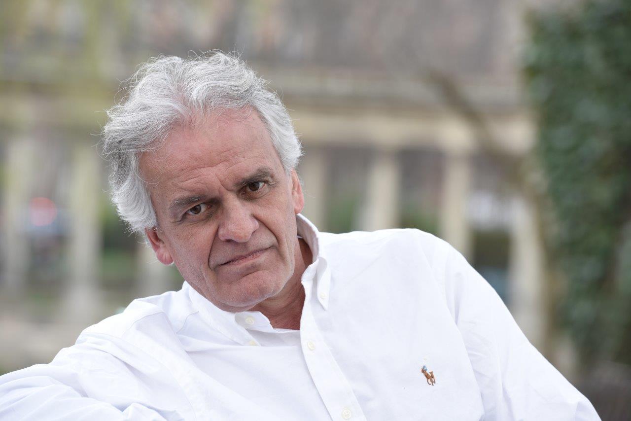 Gilles de Becdelièvre est l'auteur du roman historique personnalisé.